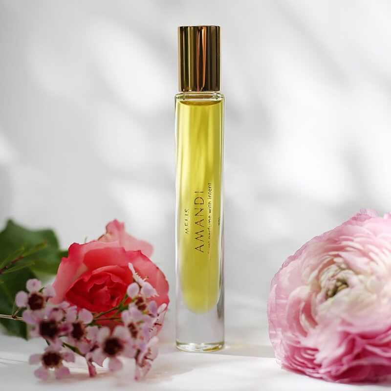 AMANDI (loving) Natural Perfume